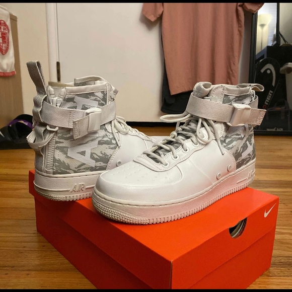 air force 1 mid winter